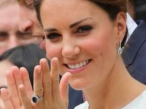 kate-middleton-engagement-ring-1